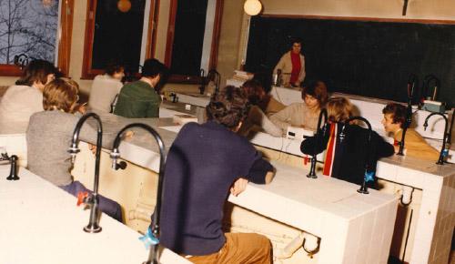 Laboratoire de sciences à l'Ermitage, années 1980